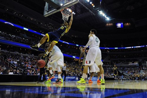 cbssports:  We have our first Elite Eight team! FINAL: (3) Marquette 71, (2) Miami (FL) 61