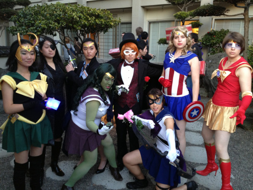 guavi:  cleandesksickmind:  Winners of AOD masquerade!  YAY FOR SEWN-IN-ONE-AND-A-HALF-DAYS COSPLAY  AWWWWW YEAHHHHHHHH