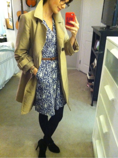 How I styled my #stitchfix willow & clay dress: black tights and a trench coat.