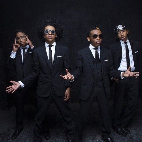 """Muve Headliner Featured Artist Mindless Behavior and Universal Music Group teamed up with Muve Music to launch their new album All Around The World. As a special offer to Muve Music customers, Mindless Behavior presented a sneak peek of their album which started on March 12. Additionally, the band will partner with Cricket and Muve Music to host several personal appearances at select Cricket stores across the country this summer. Fans can stay tuned to updates from Mindless Behavior online at http://www.mindlessbehavior.com or on Twitter athttps://twitter.com/MindlessBhavior and Muve Music's Facebook and Twitter handleshttps://www.facebook.com/cricketwireless or https://twitter.com/CricketNation to find out when and where they will visit with fans."" source"