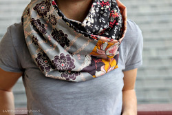 scissorsandthread:  Infinity Cowl | Luv In The Mommy Hood  There's nothing I'm looking forward to more than Winter! I have all my beautiful boots just begging to be worn. And then there are these gorgeous tutorials for scarves like this one - wouldn't this be perfect for those super cold windy days?! Super pretty and practical. My favourite combo!