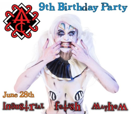 Oh look whos a clown for Club Antichrist ;)Model/MUA: Alice BizarrePhotographer: Lauren Becki Rowlands Photography
