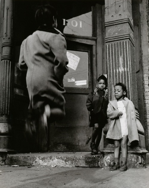 Wayne F. Miller, Child Jumping (1946-1949)