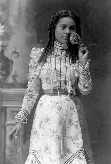Black Beauty | 1910sCredit: Missouri Historical Society via Black History Album, The Way We WereFollow us on TUMBLR  PINTEREST  FACEBOOK  TWITTER