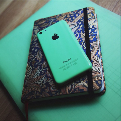 iphone 5c says searching green iphone 5c 14695