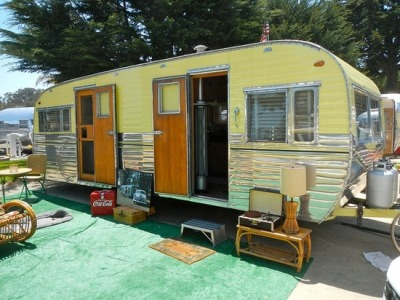 vintage-trailers:  1954- Love the 2 doors [source}