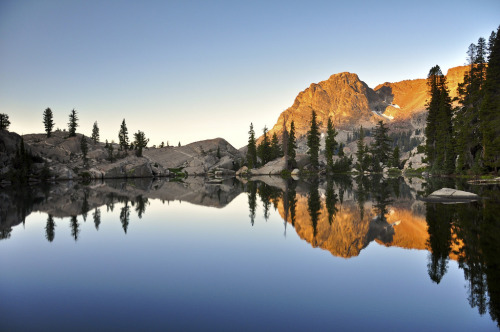 Sparkle Pond, Seavey Pass, Yosemite National Park, CA.