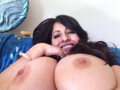lamusarania:@AntonellaKahlloI love her… I really, really do. &lt3