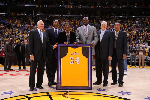 nba:  Jerry West, James Worthy, Elgin Baylor, Shaquille O'Neal, Phil Jackson, and Jamaal Wilkes pose for a photograph at Staples Center on April 2, 2013 in Los Angeles, California. (Photo by Andrew D. Bernstein/NBAE via Getty Images)