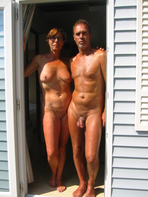 ramblingtaz: Another brazen couple adorned in a frightful way! 😂