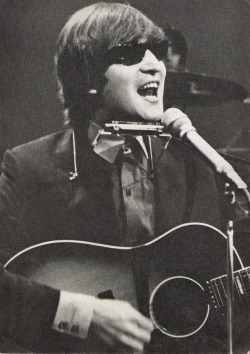 thateventuality:  Scan - John Lennon, October 1964 Photo: The Beatles Book