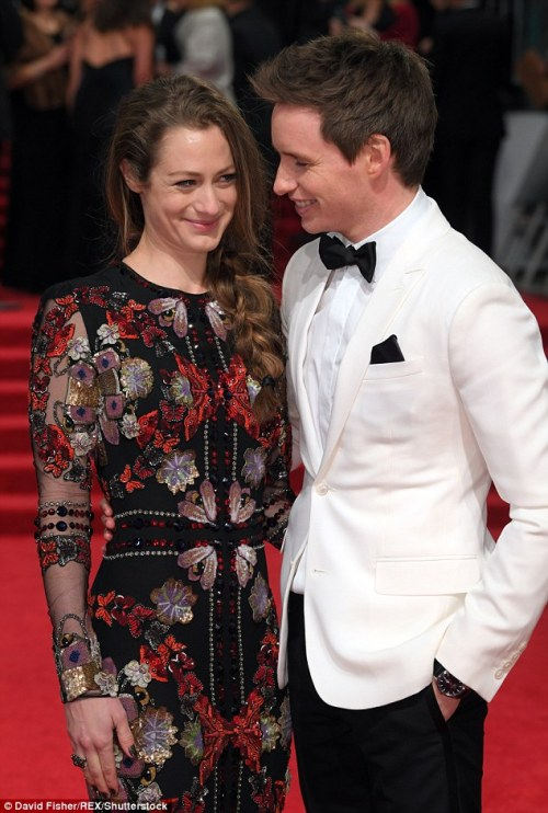 eddie-redmayne-italian-blog: