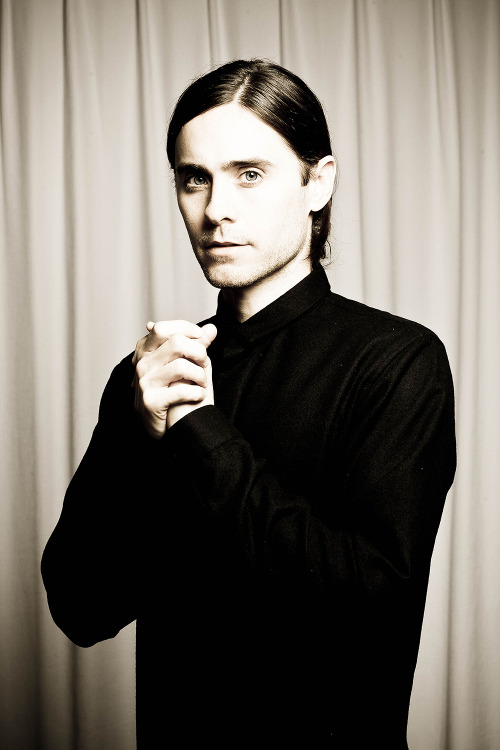 mandolinaes:  HQ Jared Leto photoshoot edited by me.