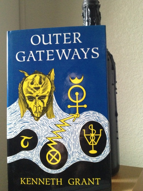 "thekelayahobjective:  Outer Gateways by occultist, writer, shit house rat insane magician extraordinaire Kenneth Grant. As a pupil of both Aleister Crowley and Austin Osman Spare, Grant fused Thelemic and chaos magick heralding the Aeon of Ma'at and threw in Lovecraftian mythos, outer-cosmical entities and focused on the Qliphoth and Typhonian worship. His magnum opus consists of three trilogies as well as several books of short stories. His writing became increasingly erratic and obscure to the point of being incomprehensible and almost illegible for those with even a modicum of occult knowledge. It seems though that madness gives longevity. Grant died in 2011 at the age of 86 years old. ""If we should dismiss him and his work, on what grounds should we do so? That he's dark? That he's as mad as tits on a piranha? That he's weird? As if the world of the occult was the last place one should expect to find darkness, insanity or weirdness."" - Alan Moore (Kaos 14, 2002)"