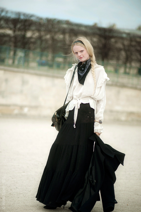 (via Street Style Aesthetic » Blog Archive » Paris – Hanne Gabby Odiele)