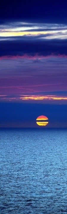 life-of-planet-earth:  Sunset. North Sea. Netherlands
