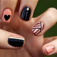 dreamingof2moro:  nails :D