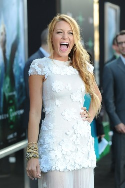 lovingblakelively:  Blake being Blake…. :-)