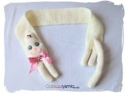 cateaclysmic:  Sweet Cream Kitty Cat Scarf ♥ Cateaclysmic Crafts ♥