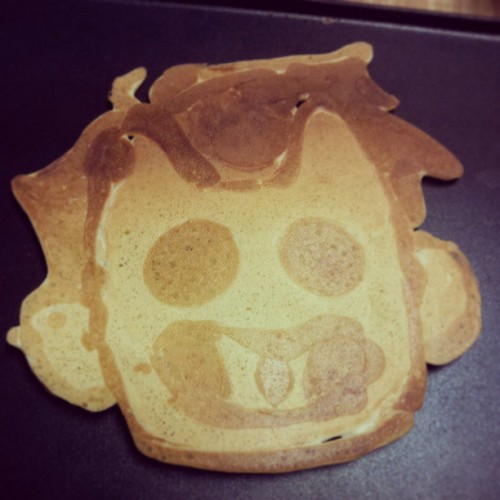 enenkay:  I made a Zacharie pancake for my sister since she let me use her pancake BATTER. Eheheeee  I made special pancakes today.