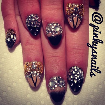 pinkysnails:  Can you handle how much bling is on this prom set? Nails by @marissiasmith on @stayliftedd_ #nailart #manicuremonday #toronto #nailporn #nailgasm