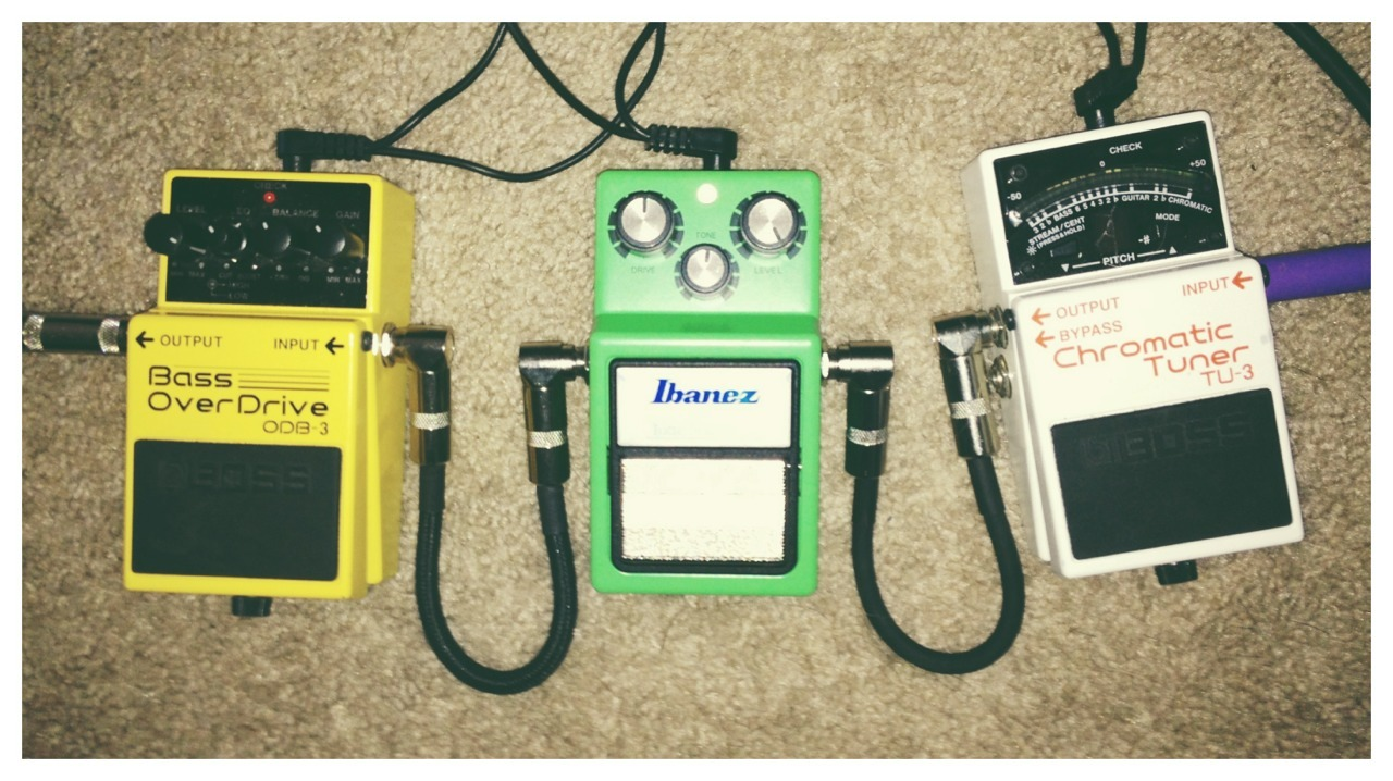I also got a new pedal yesterday. The one in the middle.