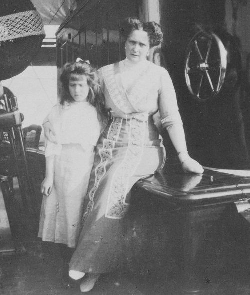 Grand Duchess Anastasia and her mother Empress Alexandra aboard the Standart: 1910.