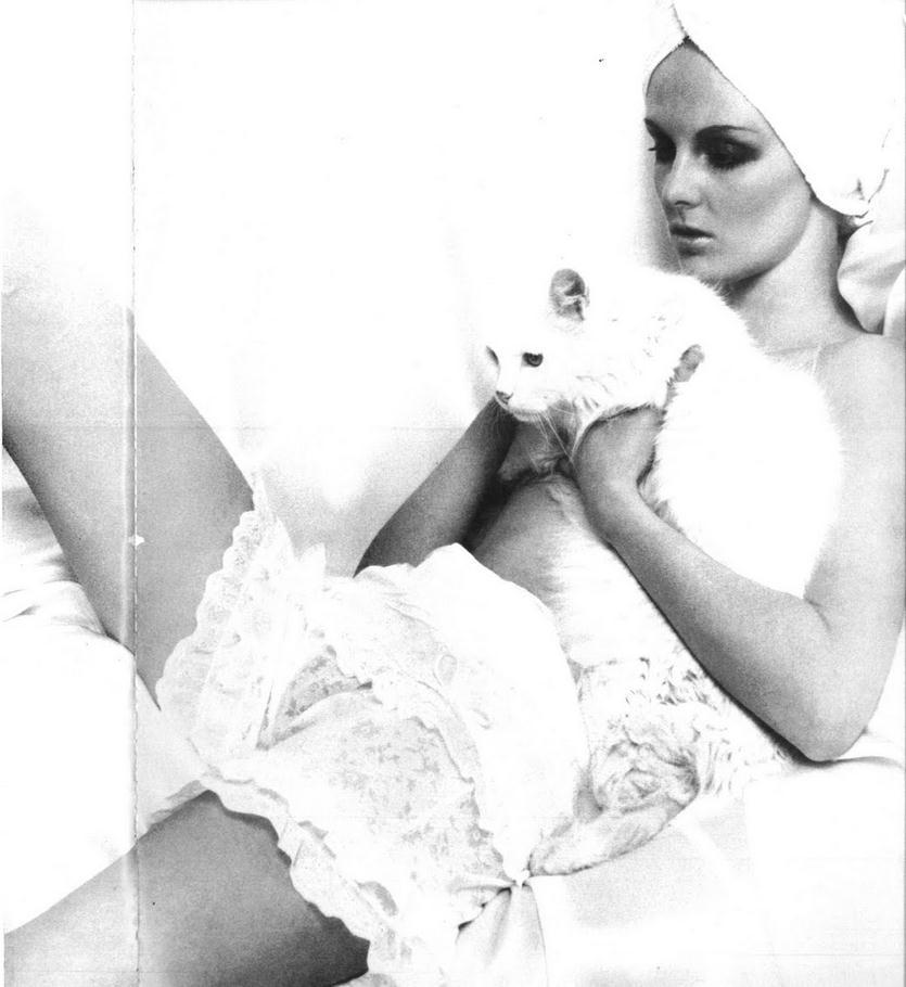 Grace Coddington photographed by Traeger for Vogue Italia, July 1967