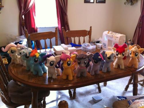 A table full of fillies. Just a few more to go. @-@