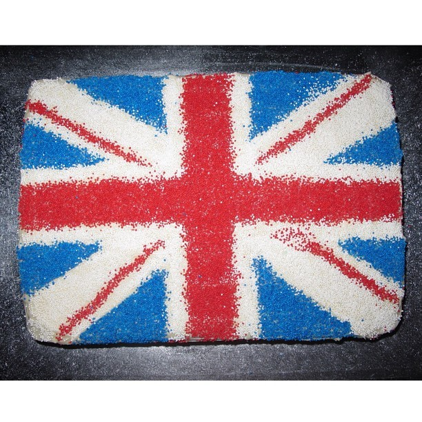 🇬🇧 Yo, ill tell you what I want, what I really, really want 🍰 #british #flag #spicegirls #cake #flourshop