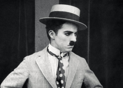 fuckyeahchaplin:  Charlie wears polka dots in The Cure c.1917