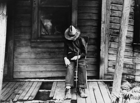 dorothea lange An American exodus black and white old man