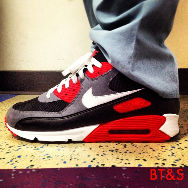 Today's Work Kicks: Reverse Infrared Air Max 90.  @nicekicks #airmax #airmax90 #jordans #sneakers #kicks #igsneakercommunity #sneakerhead #todayskicks #nicekicks #XI #nike #kicksoftheday #wiwt #whatiworetoday #ootd #outfitoftheday #Kicksonfire #kicksdeals #batonrouge #neworleans #lsu #su #xula #nola #menswear #mensfashion #igfashion #ijustlikeshoes #tag4likes #mensstyle
