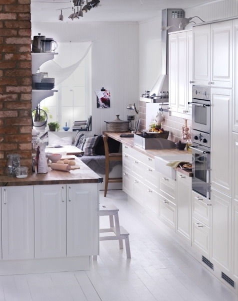 pretty kitchen by Ikea (via IKEA)