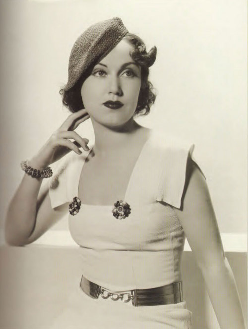 retro-girl811:  Classic Beauty, Fay Wray 1934.