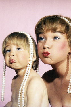 Shirley MacLaine and daughter Sachi Parker, photographed by Allan Grant for LIFE Magazine, 1959.