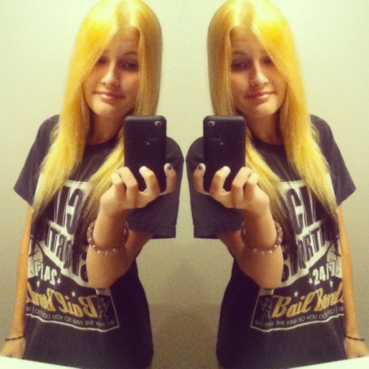 calliescurse:  Dyed it blonde again ~
