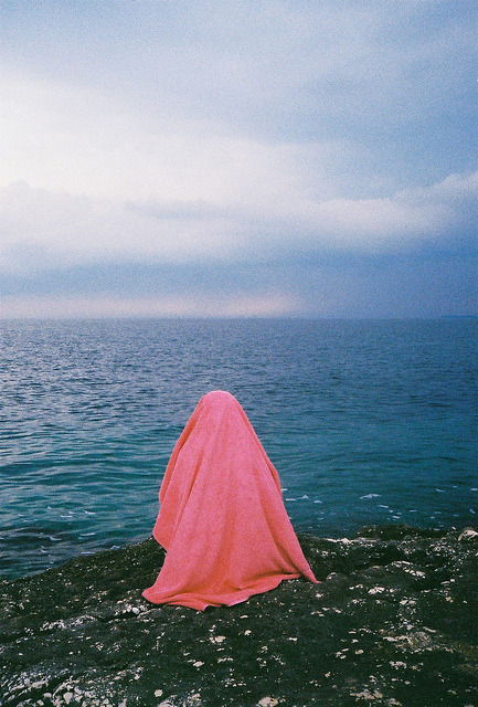 daphnean:  untitled by ada hamza on Flickr.