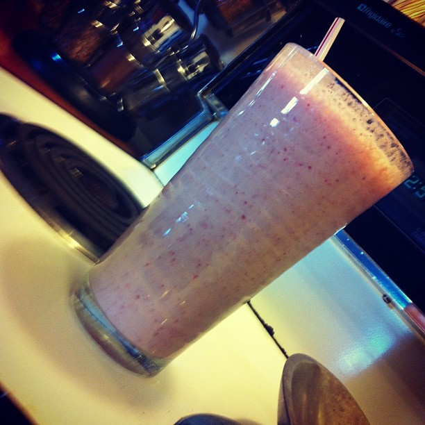 Stawberry banana smoothie <3