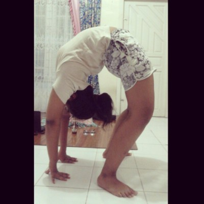 #backbend #Backscale #flexibility #flexible #flexibleback #dancer #dance #contortion #gymnastics #yoga #ballet #fitness #health #pose #cheerleading #Indonesia This is how I rolllll *pewdiepie