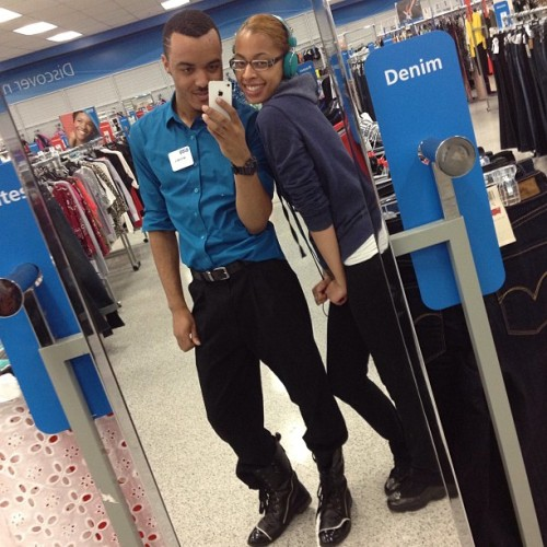 LoL this is what we do @ wrk hahahah str8 #Posin @alwaysyours_14