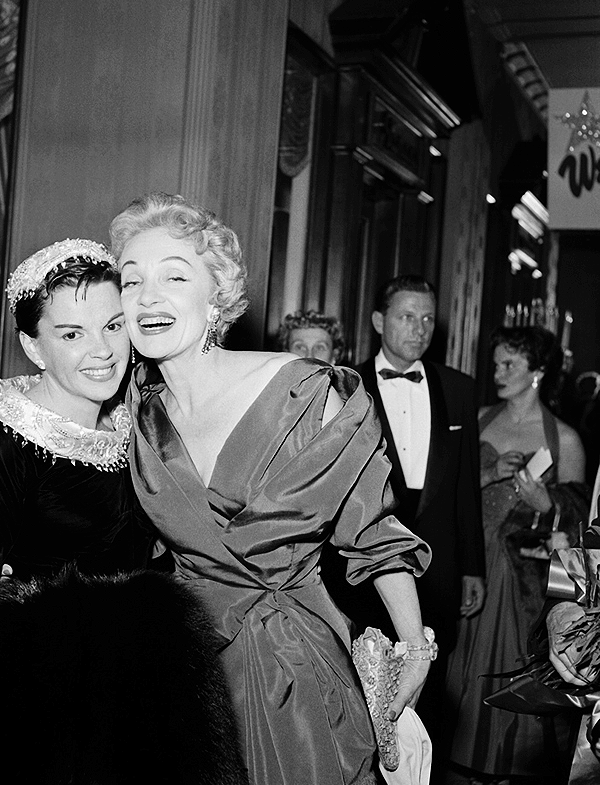 Judy Garland and Marlene Dietrich at the premiere of A Star is Born (1954).