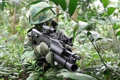 first-in-firearms:  The SAR-21, the Issue rifle of the Singapore Armed Forces, in service since 1991.  Produced by ST kinetics