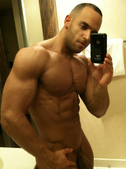 instaguys:  Guys with iPhones Source: gwip.me       (via TumbleOn)