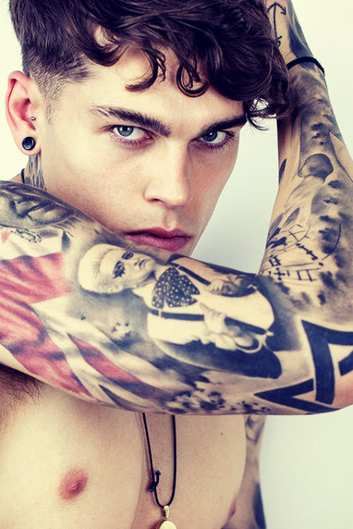 strangeforeignbeauty:  Stephen James [ fave models | 1000+ notes | facebook | twitter | google+ | instagram ]