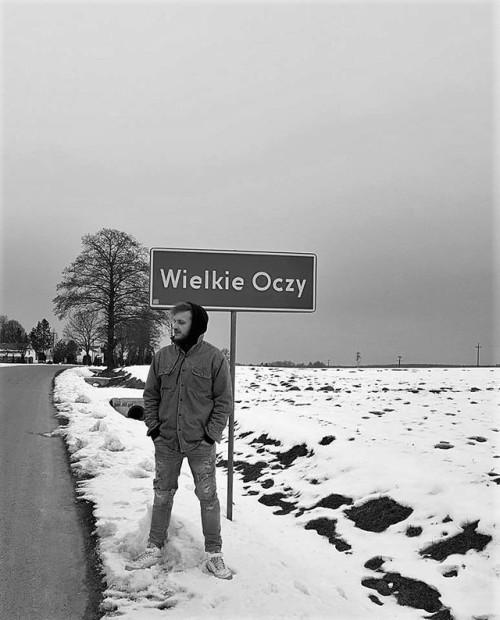 topmodel.jpg 🌟 #Black and White #bw#monochrome#Monochrome Photography#monochrome blog#monochromatyczne#rap#fotografia#photography#raper#znak#znak drogowy#polska#muzyka#polska muzyka#kartky#wielkie oczy#polski rap #polski hip hop #polish rap#polishboy