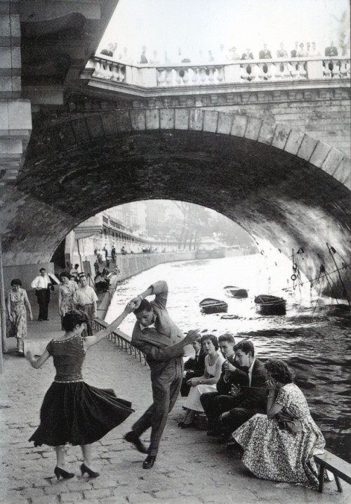 lostsplendor:  Paris Youth Culture: France, 1950s by Paul Almasy (via Retronaut)