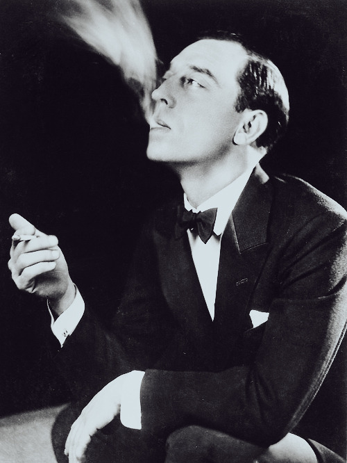 deforest:   BUSTER KEATON: I did that picture [The Butcher Boy in 1917], and I was fascinated by everything there was about motion pictures. The first thing I did, I wanted to get in the cutting room, see how they put the scenes together, in the projecting room, and tear a camera to pieces, and everything else. TONY THOMAS: It was love at first sight with pictures? BUSTER KEATON: Yes.  1960