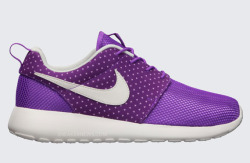 one-norf:  Wmns nike roshe run laser purple