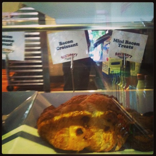 A bacon croissant w/ egg & cheese? Yes please #piggytweets (at Baconery)
